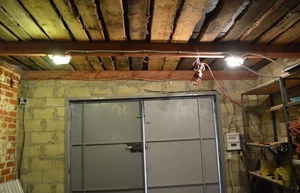 Как сделать светильник в гараж своими руками 58