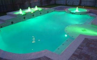 Освещение бассейнов различными светильниками