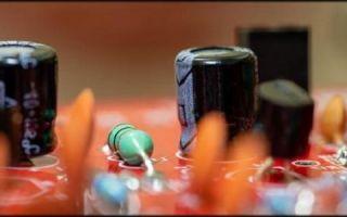 Какими методами можно разрядить конденсатор