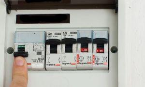 Как правильно отключить электричество в квартире
