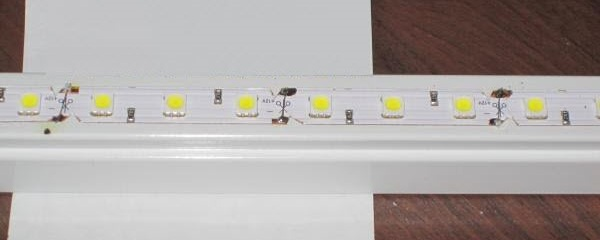 LED лента на светильнике