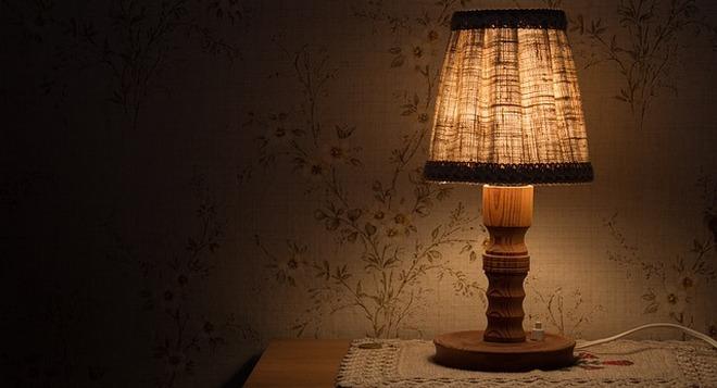 Nastolnaya-lampa Как сделать настольную лампу своими руками: видеоинструкция от Марата Ка