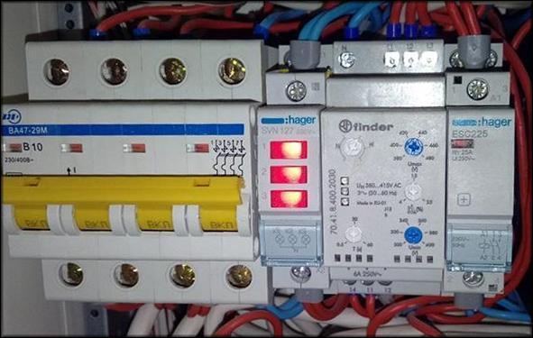 Смонтированное реле контроля фаз